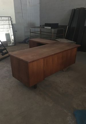 Corner Desk Unit, Solid Wood-Beautiful Piece-Little Haiti Warehouse Liquidation-Bryce LeVan Cushing Liquidator for Sale in Miami, FL