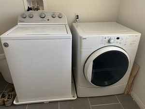 Whirlpool washer & Kenmore dryer for Sale in Murrieta, CA