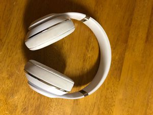 Beats wireless Studio Headphones for Sale in Oakdale, CA