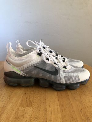 Brand new Nike air vapor max 2019 white gray running shoes men's size 10 for Sale in Spring Valley, CA