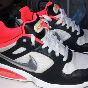 Nike Air Max Size 5.5 for Sale in Duluth, GA