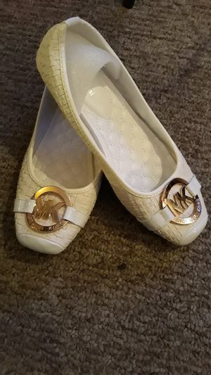Michael kors shoes for Sale in Lugoff, SC