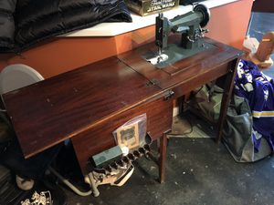 Antique, vintage sewing machine & cabinet, all original parts for Sale in Atlanta, GA