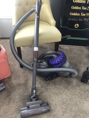 Dyson big ball canister vacuum for Sale in Covington, WA