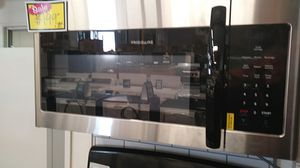 New Frigidaire over the range microwave for Sale in Chula Vista, CA