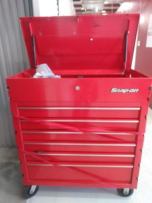 Snap on Roll Cart Used There a small amount of damage on the edges for Sale in Atlanta, GA
