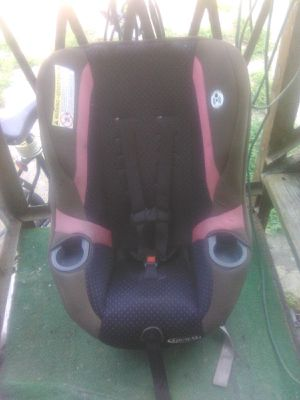Pink car seat for Sale in East Haven, CT