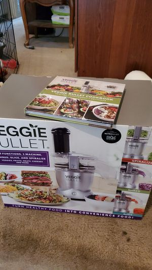 Veggie bullet with cookbook for Sale in Westminster, CA