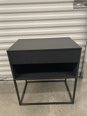 Sleek black nightstand for Sale in MAGNOLIA SQUARE, FL