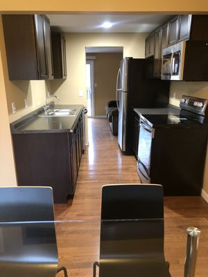 1 Bedroom in a shared 3 bedroom Student Townhouse for Sale in Syracuse, NY