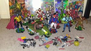 Action figures wildcats and comic books for Sale in Warwick, RI