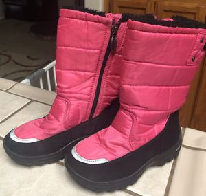 KHOMBU Size 12 M Girls / Kids Pink & Black ZIP UP Snow Boots ( 12M ) (Excellent Condition) for Sale in Visalia, CA