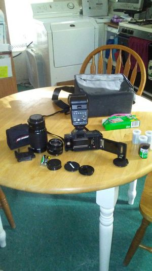 Canon T70 multiple program AV Dual metering system,Canon speedlite 420EX...by $125 for Sale in Cleveland, OH