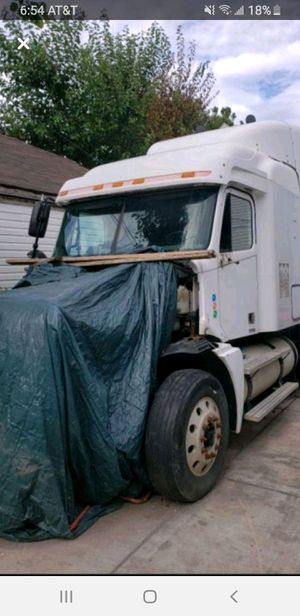 07 freightliner columbia parts for Sale in Chicago, IL