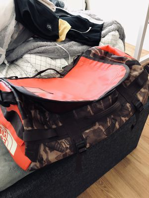 Red-Camo Northface Dufflebag for Sale in Spring Valley, CA
