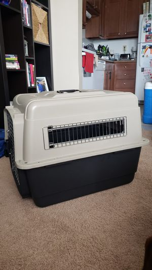 Petmate Ultra Vari Kennel 28''L x 21.5''H for Sale in St. Louis, MO
