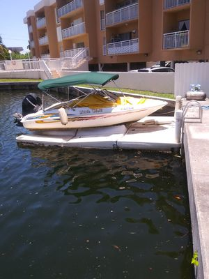Floating dock for boat or jet ski 16ft or smaller. $1000 or best offer for Sale in North Miami Beach, FL