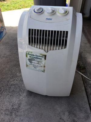 Portable AC unit 9000btu for Sale in Boynton Beach, FL