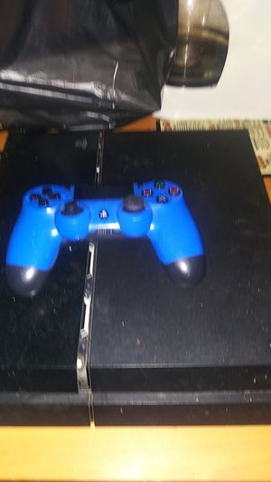 Ps4 with controller for Sale in Madison Heights, MI
