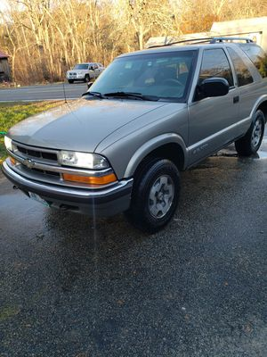 2001 chevy blazer ls. 1st 1400 takes for Sale in Foster, RI