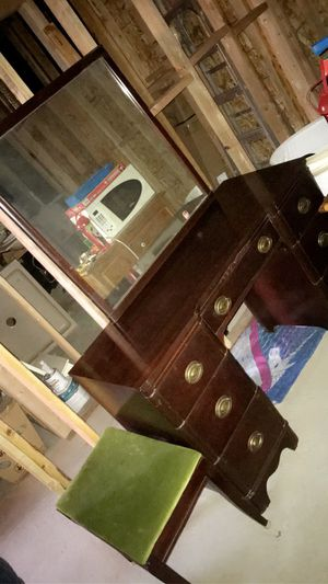 Drawer with mirror and bench for Sale in Los Angeles, CA