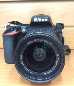 Nikon D5600 DSLR Camera with Lens & Carry Bag for Sale in Boca Raton, FL