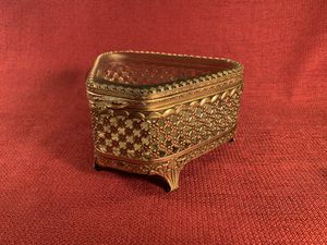 "Vintage Ornate 24KGold-on-Brass/Beveled-Glass Legged Jewelry/Trinket Box (Length: 5"") for Sale in Dade City, FL"