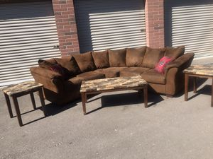 Really nice couch with 👌🛋coffee table for Sale in Phoenix, AZ