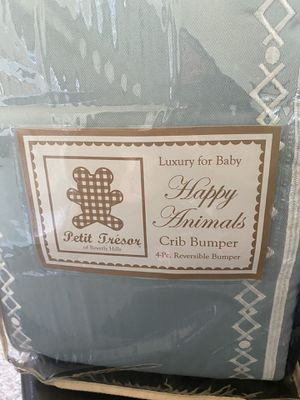 Luxury for Baby Happy Animals 4 piece Crib Bumper for Sale in Los Angeles, CA