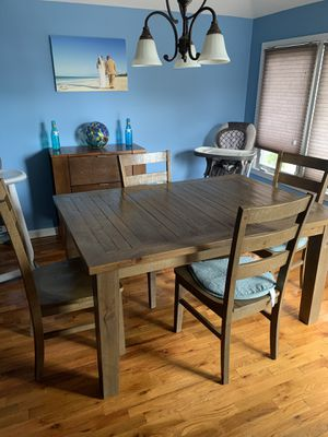 Value city kitchen table for Sale in Staten Island, NY