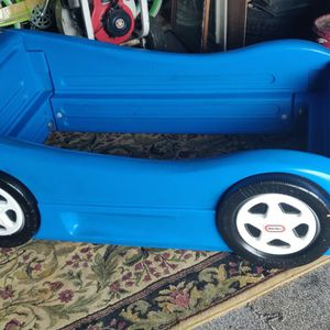 Little Tikes Roadster Toddler Bed for Sale in Clarence, NY