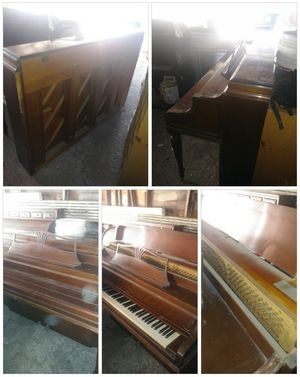 Steinway & Sons Piano for Sale in Brooklyn, OH