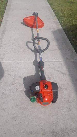 Husqvarna 128LD weedeater for Sale in Houston, TX
