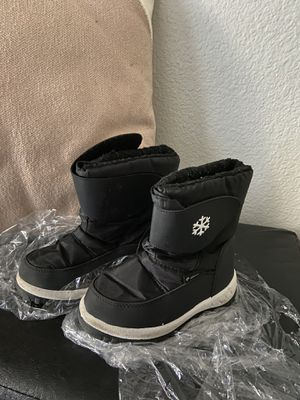 Snow Boots - toddler boys for Sale in Henderson, NV