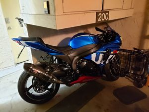 2016 Suzuki GSXR 1000 1 owner 2700miles Motorcycle for Sale in San Diego, CA