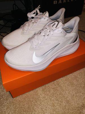 Nike Women's Zoom winflo 7 - Size 8.5 for Sale in Los Angeles, CA