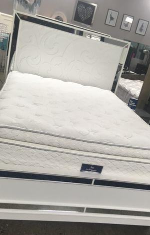 Serta Pillow Top Mattress Cal King for Sale in Las Vegas, NV