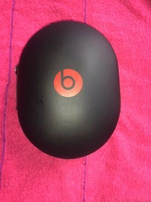 Beats by Dr. Dre Studio 2 🎧 Over-Ear Wired Headphones(with case and charger) for Sale in Jersey City, NJ