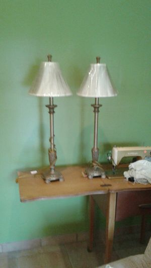 2 BUFFET LAMPS (ALMOST NEW) for Sale in Miami Gardens, FL