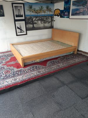 🌹Queen bed frame🌹 for Sale in Oakland, CA