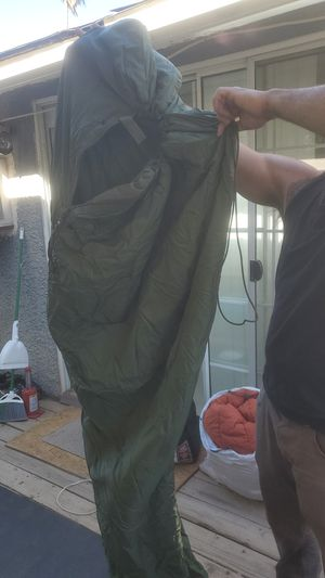ARMY/Modular sleeping bags set of 2 for Sale in Fresno, CA