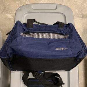 Eddie Bauer Duffle Bag for Sale in Las Vegas, NV