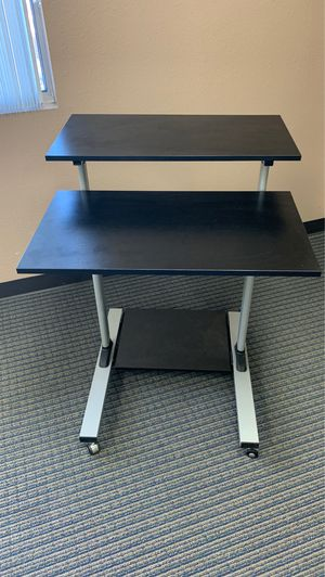 Adjustable rolling stand desk. for Sale in Rancho Cucamonga, CA