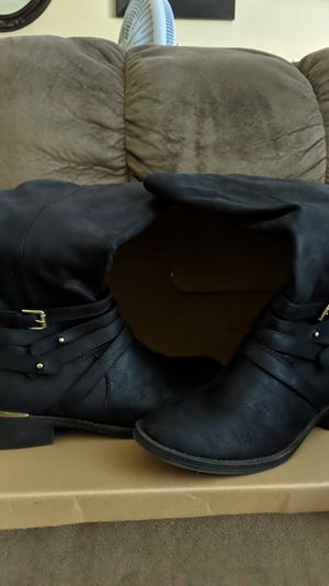 Women's boots for Sale in Mesa, AZ