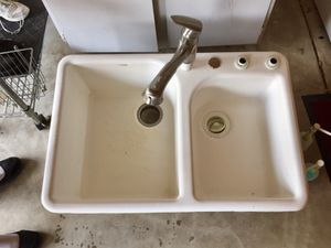 Double White Sink with Fauce & 2 Soap Dispensers for Sale in Peoria, IL