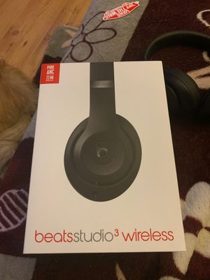 Beats studio 3 wireless for trade or cash. for Sale in Riverbank, CA