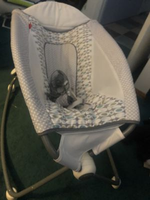 Fisher price baby sleeper for Sale in Germantown, MD