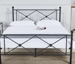 Metal bed frame for Sale in Brawley, CA