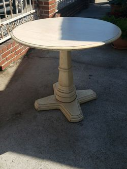 Vintage Like Table for Sale in Commerce,  CA