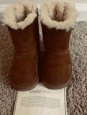 Chestnut Toddler Girls Bailey Bow II Boots size 6 for Sale in Severn, MD